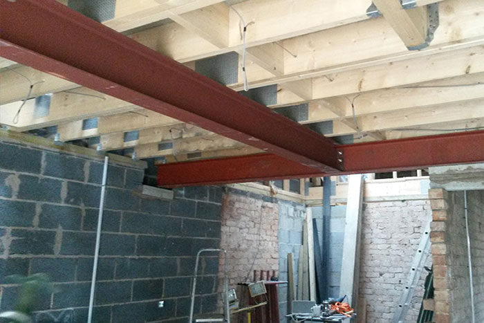 Steel roof supports for in house extension